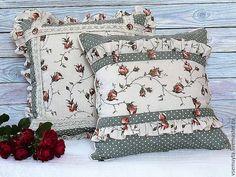Купить Комплект подушек декоративных Романтика в интернет магазине на Ярмарке Мастеров