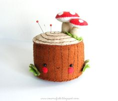 D'aww, a #cute #DIY project for all you sewers out there! How-To: Felt Tree Stump Pincushion
