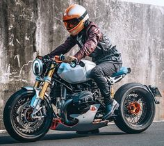 From the time that I actually wrote concerning Noble Enfield Bullet Café Super, I'm wondering. Cafe Racer Tv, Custom Cafe Racer, Cafe Racer Build, Bmw Motorcycles, Custom Motorcycles, Custom Bikes, Custom Cars, Best Motorbike, Cafe Racer Motorcycle