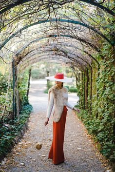 Stylish godmothers: looking for your perfect look. Winter Wedding Guests, Bad Spirits, Wedding Guest Style, Fancy Hats, Previous Life, Kentucky Derby, Love Fashion, How To Look Better, Bridesmaid Dresses