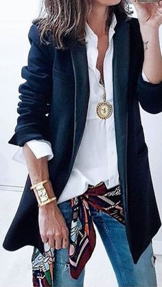 Jeans and office jacket with scarf Jeans and office jacket with scarf Source by The post Jeans and office jacket with scarf appeared first on How To Be Trendy. Casual Work Outfits, Mode Outfits, Chic Outfits, Fall Outfits, Fashion Outfits, Womens Fashion, Fashion Trends, Office Outfits, Fashion Tips