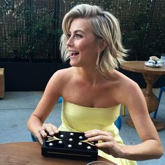 Hair cuts new julianne hough 47 ideas Short Hairstyles 2015, Bob Hairstyles, Good Hair Day, Great Hair, Julianne Hough Short Hair, Medium Hair Styles, Short Hair Styles, Corte Y Color, Hair Color And Cut