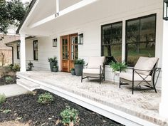 Simple and Beautiful Front Porch Decor - Beneath My Heart Front Porch Addition, Front Porch Columns, Farmhouse Front Porches, Front Porch Design, Front Porch Deck, Front Porch Remodel, Stone Front Porches, Houses With Front Porches, House Porch Design