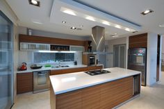 kitchen lighting over table Banquet Beach House Kitchens, Cool Kitchens, Small U Shaped Kitchens, Cream Kitchen Cabinets, Kitchen Lighting Over Table, Kitchen On A Budget, Kitchen Remodel, Kitchen Design, House Plans