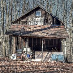 wasmunderik Creepy Old Houses in Fog Abandoned Farm Houses, Abandoned Places, Creepy Old Houses, Old Farm, Old Buildings, Shed Plans, World Best Photos, Woodworking Projects Plans, Old Town