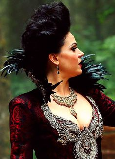 "Regina - 3.02 ""Lost Girl"" could this dress be more amazing?"