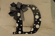 letter for the door, instead of a wreath (would have to be an S, of course) Initial Door Hanger, Diy Bow, Wreath Crafts, Dot Painting, Wooden Letters, Door Wreath, Initials, Tower, Dots