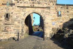 La última contienda militar del castillo fue en 1745; desde entonces y hasta la década de 1920 fue la base principal del Ejército británico en Escocia.