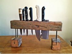 holder for knives upcycled wood, driftwood Woodworking Projects Diy, Woodworking Plans, Objet Deco Design, Diy Knife, Knife Storage, Knife Holder, Diy Holz, Wood Design, Wood And Metal