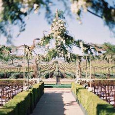 Crushing on this beautiful spring winery wedding!