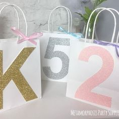 #Sparkle ✨. . . . #glitter #initial #letter #number #gold #silver #babypink #ribbon #partybag #mpsandtsc #uniquepartygifts #smallbusiness #supportsmall #instagirls #instaboy  #handmade #handcrafted #instakids #instamums #personalised #customorder #homedecor #nurserydecor #partydecor