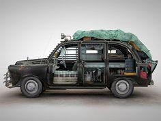 Une série amusante sur de véhicules conçus pour lutter contre les attaques de zombies ; ) ...plus sérieusement, le travail effectué ici en 3D mérite toute votre attention !