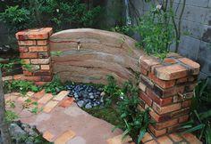 「土塀の立水栓」 豊造園