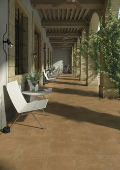 Product: porcelain tiles ALARCÓN, setting: porch gallery