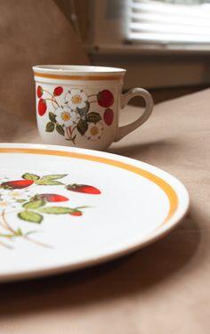 SHEFFIELD dishes strawberries 'n cream stoneware by TheOnyxGallery, $18.00