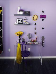 Bedroom Makeup Vanity | Makeup vanity nook with storage