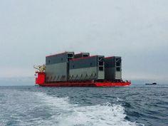 Transporte de 4 nuevas #compuertas ( desde Italia a #Panamá ), a su paso por Gibraltar Vía Twitter @ingenieriared  #Ingeniería