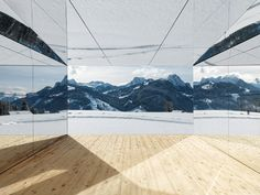 American artist Doug Aitken has installed a ranch-style house structure clad in mirrors, called Mirage Gstaad, in the snow-covered mountains of Gstaad. House Of Mirrors, Louvre Abu Dhabi, Festival D'art, Suburban House, Colossal Art, Ranch Style Homes, Swiss Alps, Mountain Landscape, Land Art