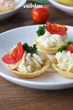 Ces tartelettes au fromage frais peuvent êtres servies lors de l'apéritif de la fête des mères. #recette#cuisine#tartelettes #fromagefrais#patisseriesalee Brie, Salty Tart, Meal