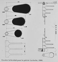en 1974 roger tallon cr e l escalier th cette cr ation attire par ses marches en bois arts. Black Bedroom Furniture Sets. Home Design Ideas