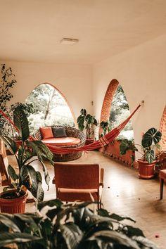 red hammock hanging in the living room photo – Free Furniture Image on Unsplash Living Room Hammock, Magazine Deco, Mandala Stencils, Blog Deco, Deco Design, Design Art, Home And Deco, Luxury Living, Interior Styling