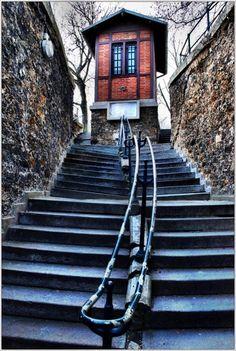 Entrée du Père Lachaise - Paris...climbed these steps