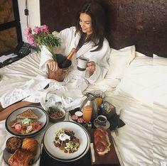 Late mornings • Breakfast in bed