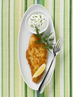 Breaded fillet with dip - Getty Images/Kai Stiepel/StockFood Creative