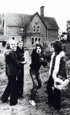 Van der Graaf Generator What Is Song, Rock Music, My Music, Science Fiction, Van Der Graaf, Jazz, Proto Punk, All Tomorrow's Parties, Psychedelic Bands