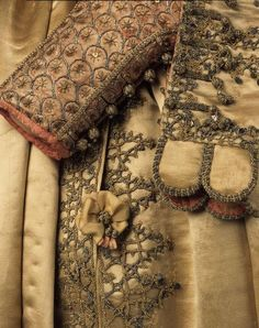 Staatliche Kunstsammlungen Dresden - The Electoral Warderobe Historical Costume, Historical Clothing, Dresden, 17th Century Fashion, Emperors New Clothes, Period Costumes, British Style, Fashion History, Costume Design