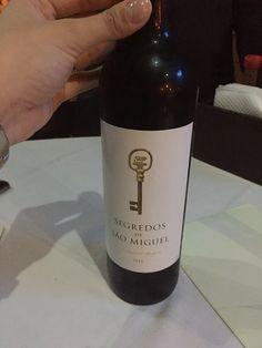 Para acompanhar massa o vinho com o maior custo benefício é esse. Segredo de São Miguel, um vinho português bom e com o preço em conta 😉