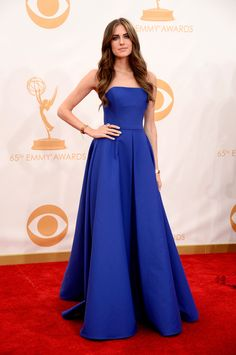 Allison Williams | Fashion At The 2013 Emmy Awards