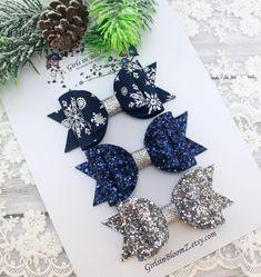 Glitter Hair, Blue Glitter, Glitter Fabric, Christmas Hair Bows, Handmade Hair Bows, Making Hair Bows, Diy Bow, Diy Arts And Crafts, Girls Accessories