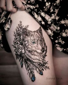 Girls love the she-wolf/thigh kit. This design goes the extra mile with the cute blue detail. Wolf Tattoo Back, Small Wolf Tattoo, Wolf Tattoo Sleeve, Sleeve Tattoos, Tattoo Wolf, Trendy Tattoos, Cute Tattoos, Leg Tattoos, Beautiful Tattoos