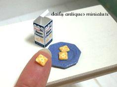 Miniature Cracker by Yoko Serizawa Miniature Food, Miniature Dolls, Tiny World, Barbie Accessories, Mini Things, Polymer Clay Charms, Mini Foods, Miniture Things, Doll Stuff