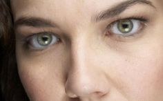 How to make my eyes look bigger with makeup? Smoke Damage, Applying Eye Makeup, Older Women, Makeup Yourself, Your Skin, My Eyes, Beauty Hacks, Beauty Tips, Health And Beauty