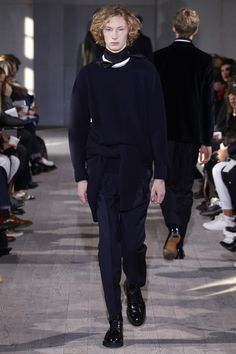See the complete Officine Generale Fall 2017 Menswear collection.