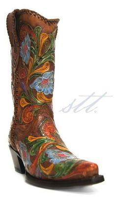 How to Pair Summer Cowgirl Boots with Dresses | Calling all fashionable cowgirls! Use these 5 tips to pick out the perfect pair of cowboy boots to go with your summer dresses. | blog.southtexastack.com