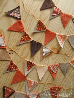 autumn garland fabric bunting by merwing✿little dear Fall Garland, Bunting Garland, Leaf Garland, Garland Ideas, Fabric Garland, Fall Bunting, Bunting Ideas, Mini Bunting, Christmas Bunting