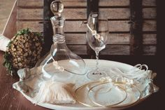 14.Δίσκος Φλωρεντιανός -καράφα-ποτήρι γάμου με διακόσμηση από μεταξωτά λουλούδια