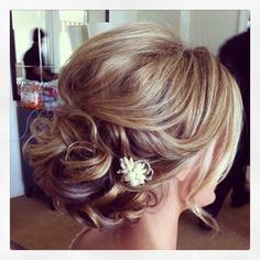 bridesmaid hair? http://@Jess Liu Gearhart