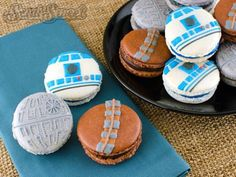 Yummy Star Wars macarons - R2-D2, Death Star, and Chewbacca! And you can make them yourself, too ^.^