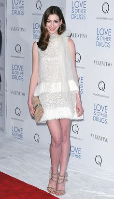 Anne Hathaway at the Sex, Love, and Other Drugs premiere.
