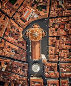 The view of Florence, Italy, from above, gives a whole new appreciation for the city's architecture. Filippo Brunelleschi, Firenze Italy, Beau Site, Florence Tuscany, Florence Dome, Visit Italy, Birds Eye View, Aerial Photography, Belle Photo