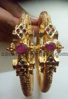 Jewellery Designs: 35 Gms Gold Kada Sets
