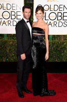 Golden Globes 2015 Adam Levine y Behati Prinsloo en KaufmanFranco