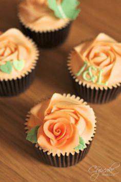 Peach & Green Wedding Consultation Cupcakes by The Cupcake Studio, via Flickr