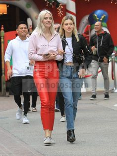 Nicola Peltz Sighted Shopping in Hollywood on November 16 2017