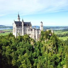 An amazingly beautiful picture tour of Neuschwanstein Castle in Germany!  Simply Wright: Travel: *Neuschwanstein Castle, Germany*