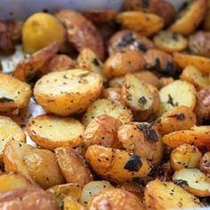 This method of making the crispiest roast potatoes works! Thanks to Nigella.